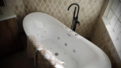 Vald Master Bathroom Complete Remodel